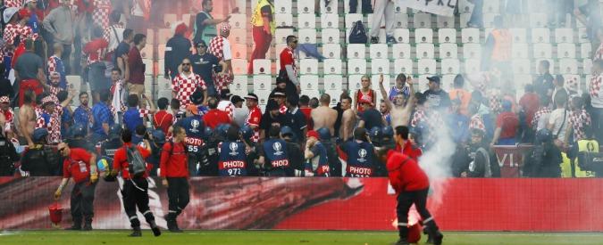 Europei 2016, Uefa grazia la Croazia dopo incidenti contro Repubblica Ceca: multa da 100mila euro