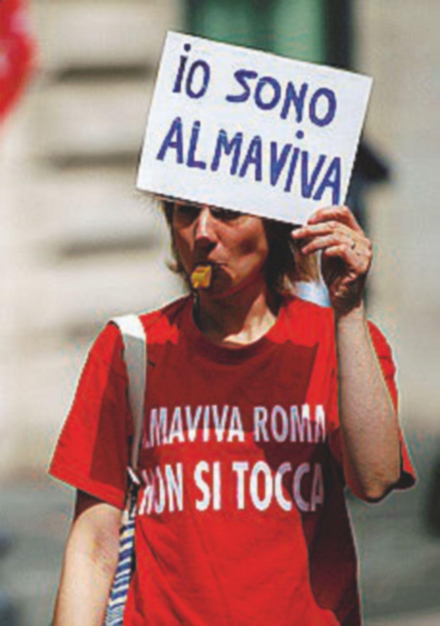 Almaviva, raggiunta l'intesa: scongiurati 3mila licenziamenti