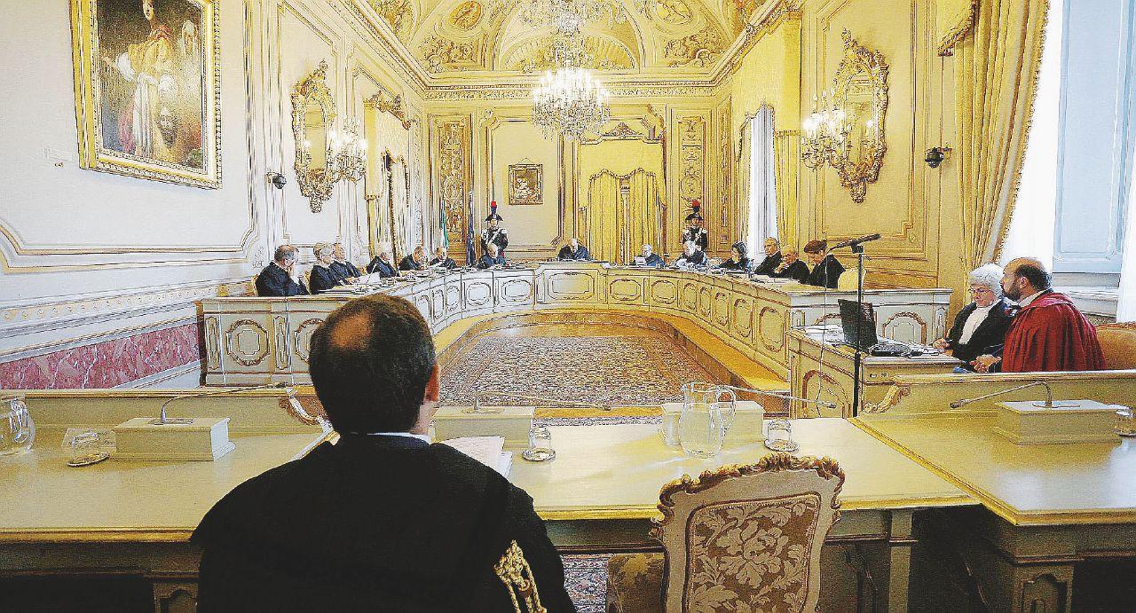 Corte Costituzionale, concorsi truccati: ecco come si muoveva il giudice Barbera