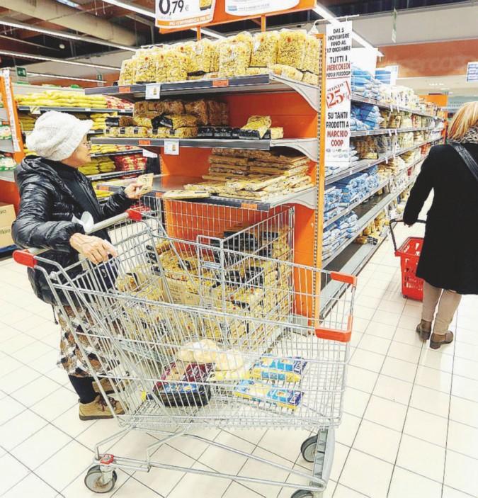 I consumi non bastano. Bankitalia abbassa il Pil