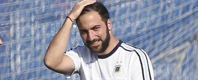 """Higuain, il fratello procuratore: """"Gonzalo non rinnova con il Napoli. De Laurentiis non vuole investire per vincere"""""""