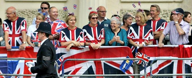 """Brexit, The Sun si schiera a favore dell'uscita del Regno Unito dall'Ue: """"Basta con la dittatura di Bruxelles"""""""