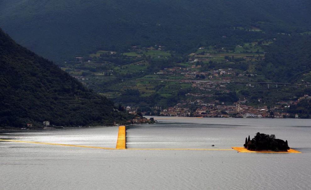 Passerella lago d 39 iseo l 39 opera di christo non ha ancora for Piani di costruzione della piattaforma gratuiti