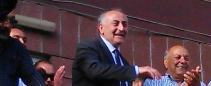 """Avellino, il sindaco """"vende"""" il Comune ai cinesi. """"Colpa dello Stato, ritarda i trasferimenti"""""""
