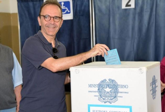 Stefano Parisi al voto per le comunali