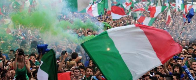 """Europei 2016, l'identikit del tifoso attraverso i social. """"Il 67% degli italiani commenta le partite su Whatsapp e il 94% non rinuncia alla scaramanzia"""""""