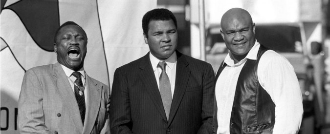 Muhammad Ali morto, il pugile che gettò la medaglia olimpica contro le ingiustizie. Battaglie e ideali (a volte traditi)