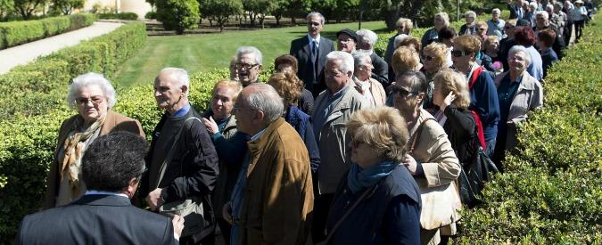 """Istat, """"nel 2015 per la prima volta in 90 anni calati i residenti in Italia: ora sono 60,6 milioni. Età media 44,7 anni"""""""