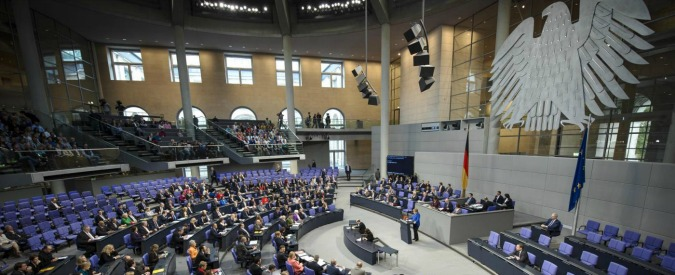 """Germania, leader dei Verdi sotto protezione: """"Minacciato di morte per il voto sul genocidio armeno"""""""