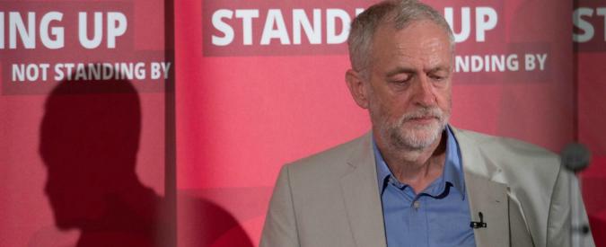 """Brexit, larga maggioranza deputati Labour sfiducia Jeremy Corbyn. Lui: """"Non mi dimetto"""""""
