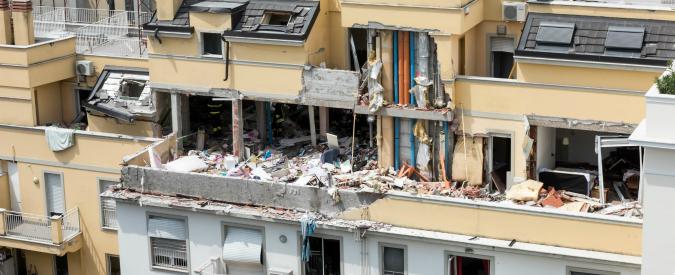 """Esplosione a Milano, uomo ferito indagato per strage: """"Tubo manomesso, ha provocato la fuga di gas"""""""