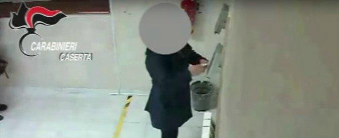 Furbetti del cartellino alla Asl di Caserta, shopping in orario di lavoro: 9 arresti. C'è anche un consigliere comunale