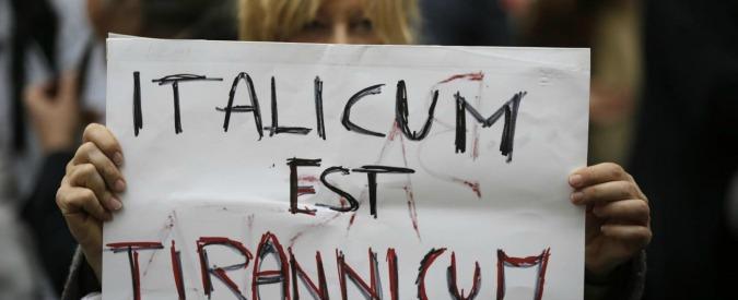 """Italicum, nel Pd torna la guerriglia. Renzi: """"Io non voglio cambiarlo"""". Il M5s: """"E' un baro, cambia le carte in tavola"""""""