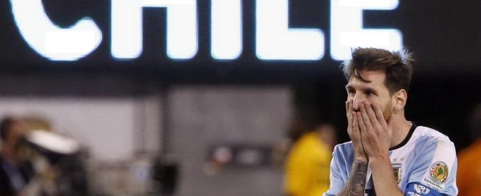 """Lionel Messi, addio alla Nazionale argentina: """"È finita, mi ritiro"""" – Video"""