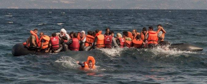 Libia, naufraga un gommone carico di migranti: almeno sei morti, 114 in salvo