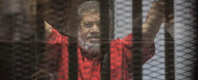 Egitto, ex presidente Morsi condannato all'ergastolo per spionaggio
