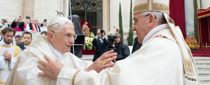 Papa Francesco e Benedetto XVI insieme nel Palazzo Apostolico, un inedito assoluto