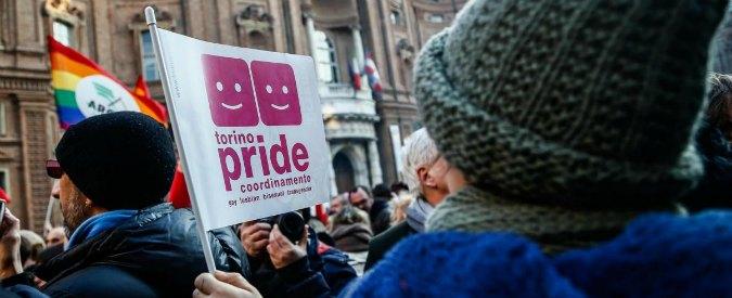 """Lombardia, nasce il call center per segnalare """"dottrine gender a scuola"""": """"Non è anti-gay, è solo pro famiglia"""""""