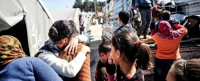 """Turchia, ong: """"Guardie di confine sparano contro i profughi: 11 morti, 4 sono bambini"""""""