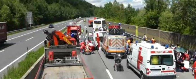 Austria, incidente tra autobus e tir: feriti 46 pellegrini italiani. Quattro sono gravi