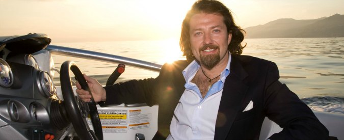 Spagna, imprenditore italiano e ragazza russa trovati morti su uno yacht: ipotesi avvelenamento da monossido