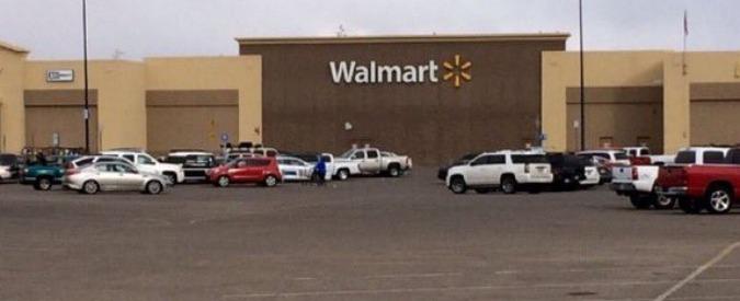 Texas, sparatoria in corso in un Walmart. Uomo armato ucciso e ostaggi in salvo