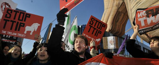 Multinazionali contro Stati, il piano per applicare in tutta la Ue l'arbitrato internazionale previsto dal trattato Ttip