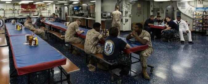 """Usa, Pentagono dà il via libera all'arruolamento dei trans nelle forze armate. Carter: """"Decisione storica"""""""