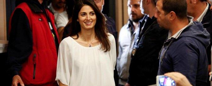 """Virginia Raggi, il primo commento da sindaco di Roma su Facebook: """"Ci hanno fatto la guerra, ma non sono riusciti a fermarci"""""""