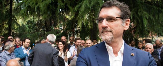 Bologna, il sindaco Merola raddoppia lo staff (e le spese) per la comunicazione. Polemica con opposizione