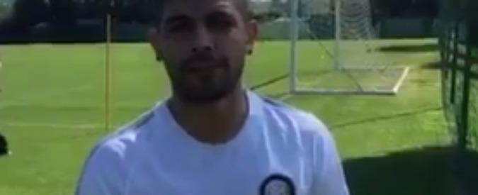 """Banega, primo giorno ad Appiano Gentile. Il saluto ai tifosi: """"Forza Inter"""" – Video"""