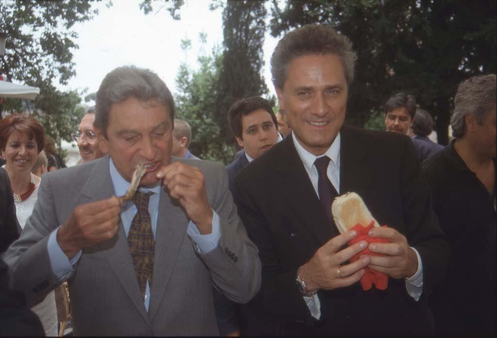 Da B. a D'Alema tutti in Iraq con l'elmetto del Caro Tony