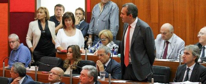 Napoli, assessore allo Sport indagato per abuso edilizio. Lui: 'Clima politico pesante'
