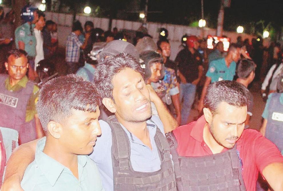 Anche il sangue dell'Italia nel massacro di Dacca