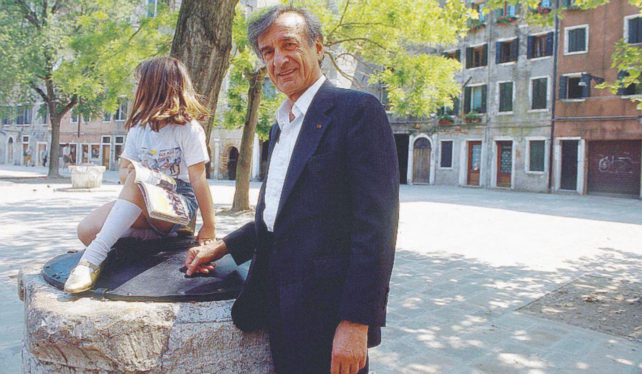 Addio Elie Wiesel, memoria dell'Olocausto