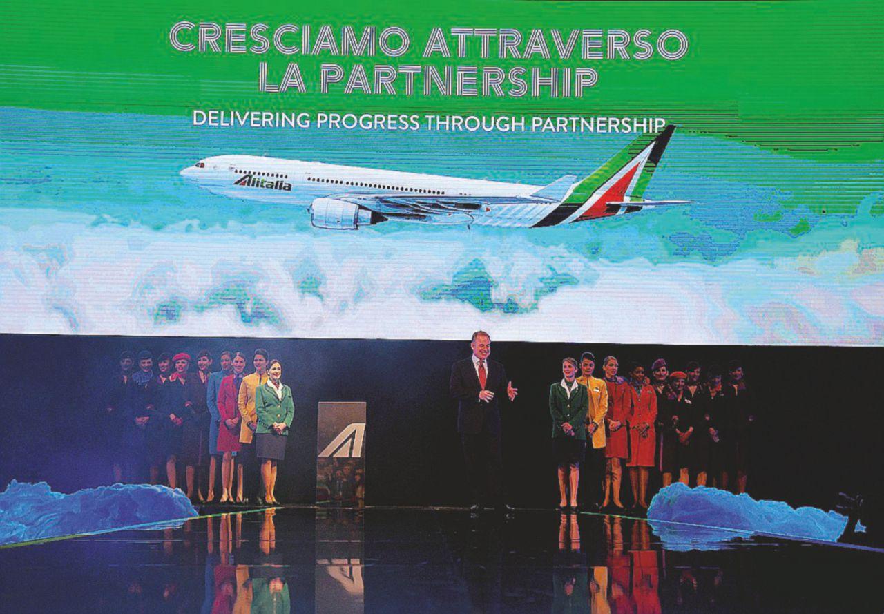 Scioperi e perdite, l'Alitalia araba non riesce  a risorgere