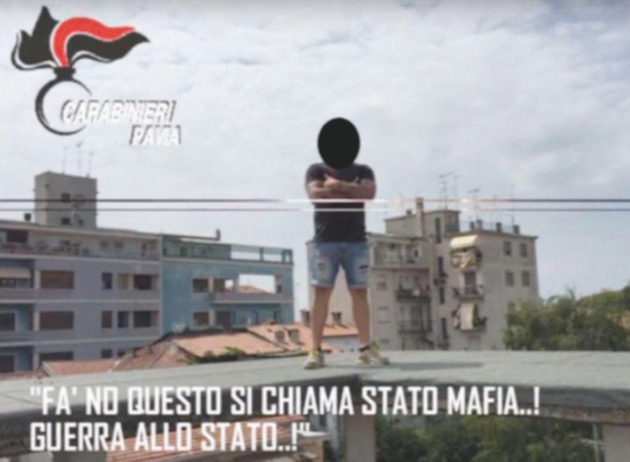 """""""Fucili e bombe a mano"""". A Pavia regna Gomorra"""