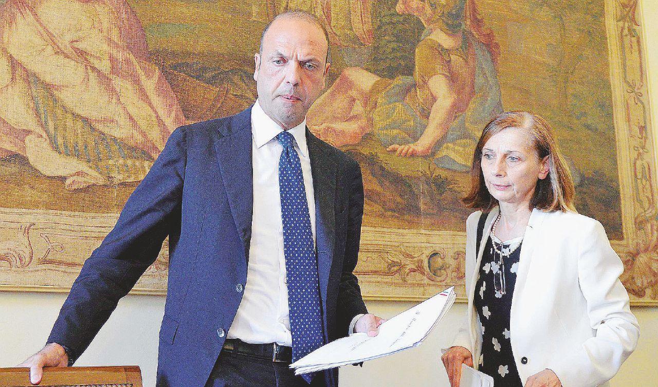 Angelino Sette Vergogne: perché deve dimettersi