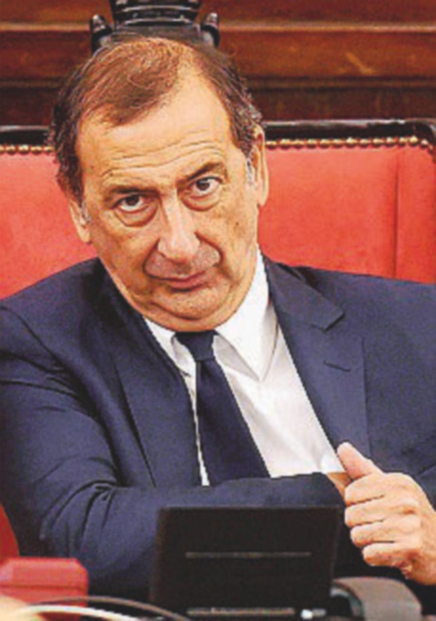 """""""È  ineleggibile"""":  la destra attacca il sindaco Sala"""