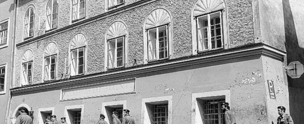 """Espropriate casa Hitler, va rasa al suolo"""