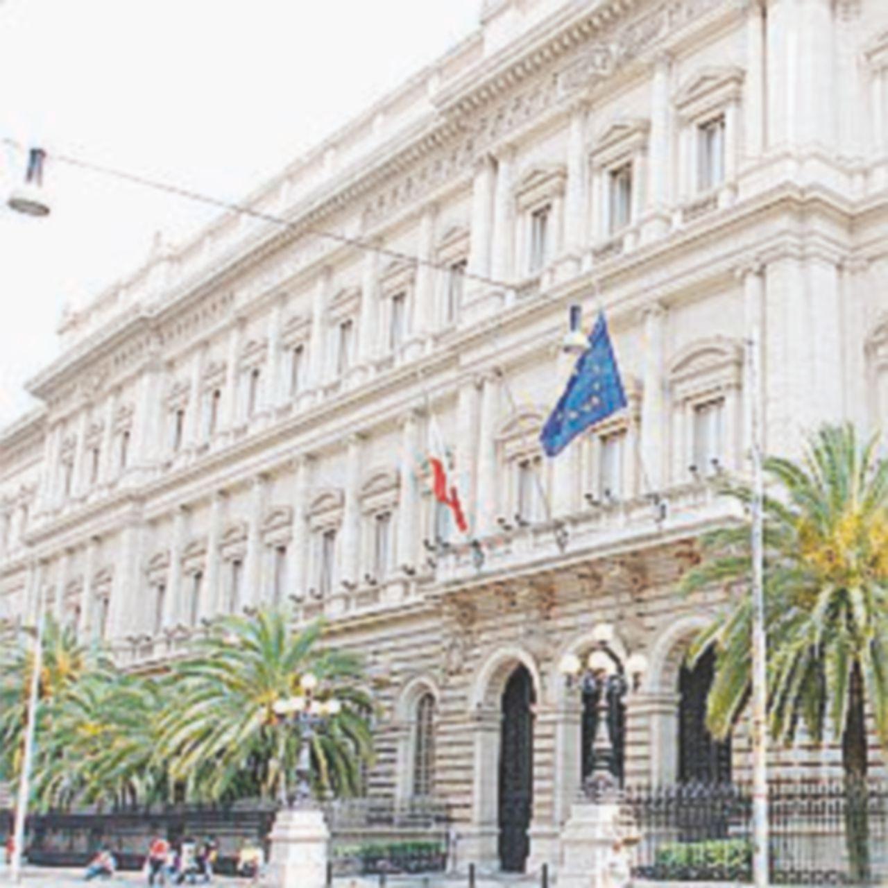 Pure Bankitalia taglia le stime di crescita: sotto l'1% il Pil 2016