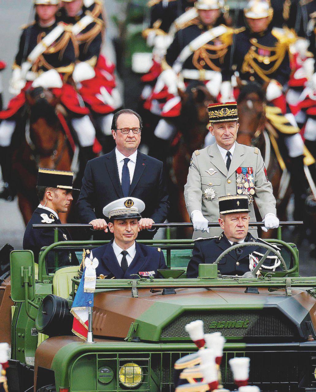 """Hollande sotto accusa: """"Misure insufficienti"""""""