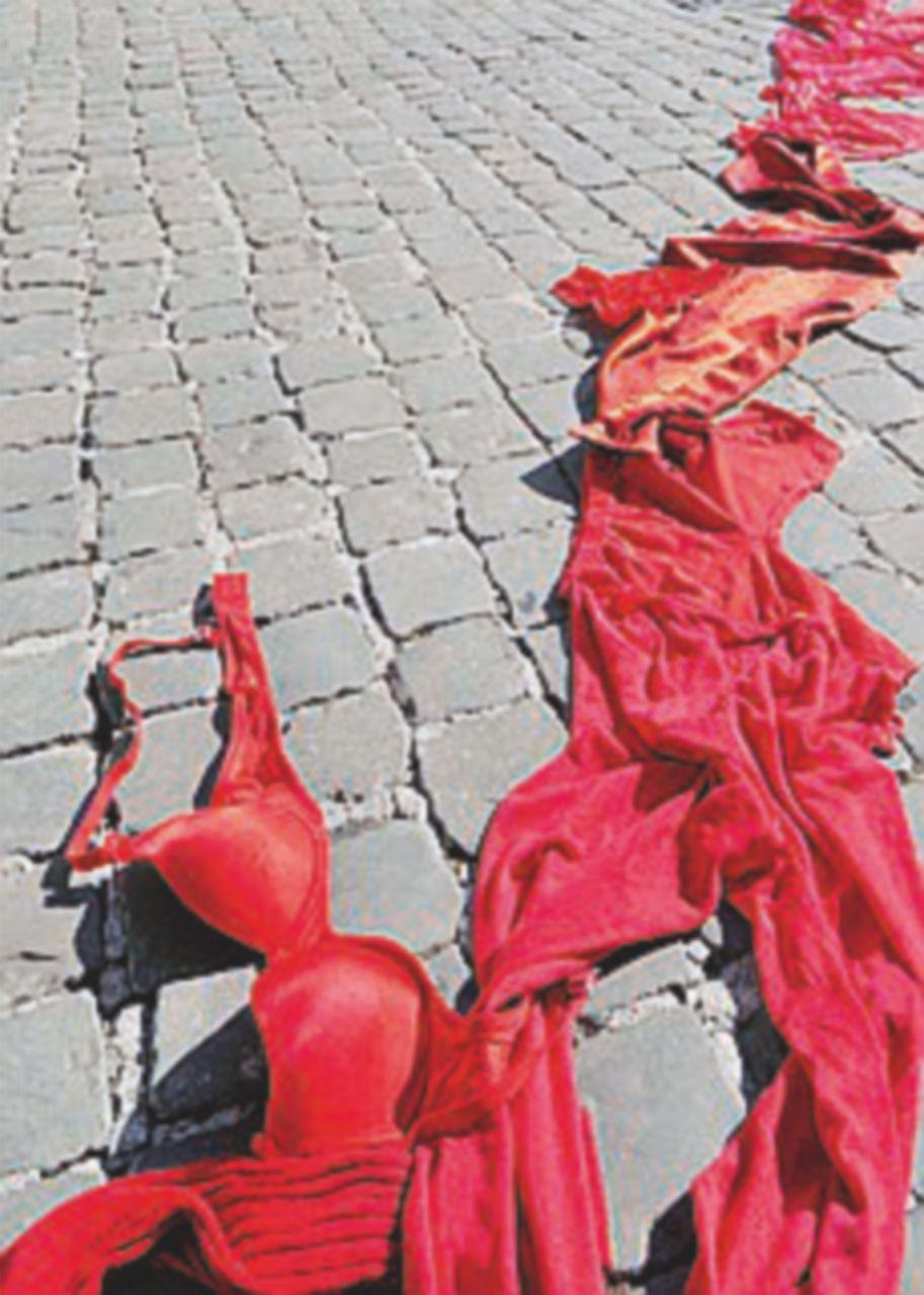 Varese, marito uccide la moglie a martellate poi si costituisce