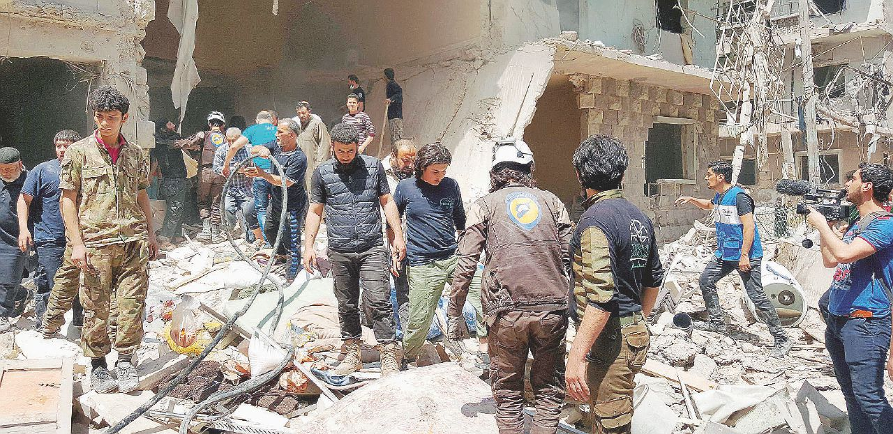 Aleppo, urla nel silenzio tra bombe ed esecuzioni