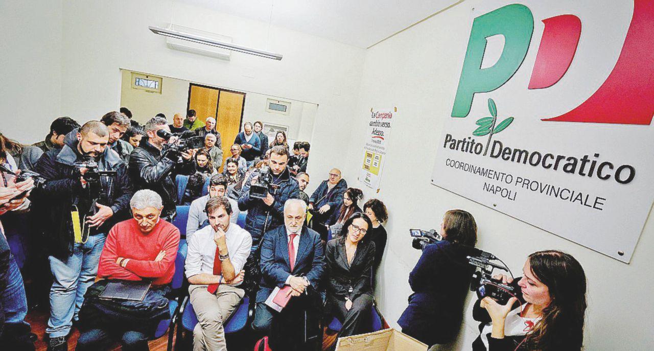 Napoli il pd quasi in liquidazione sedi chiuse e for Onorevoli pd