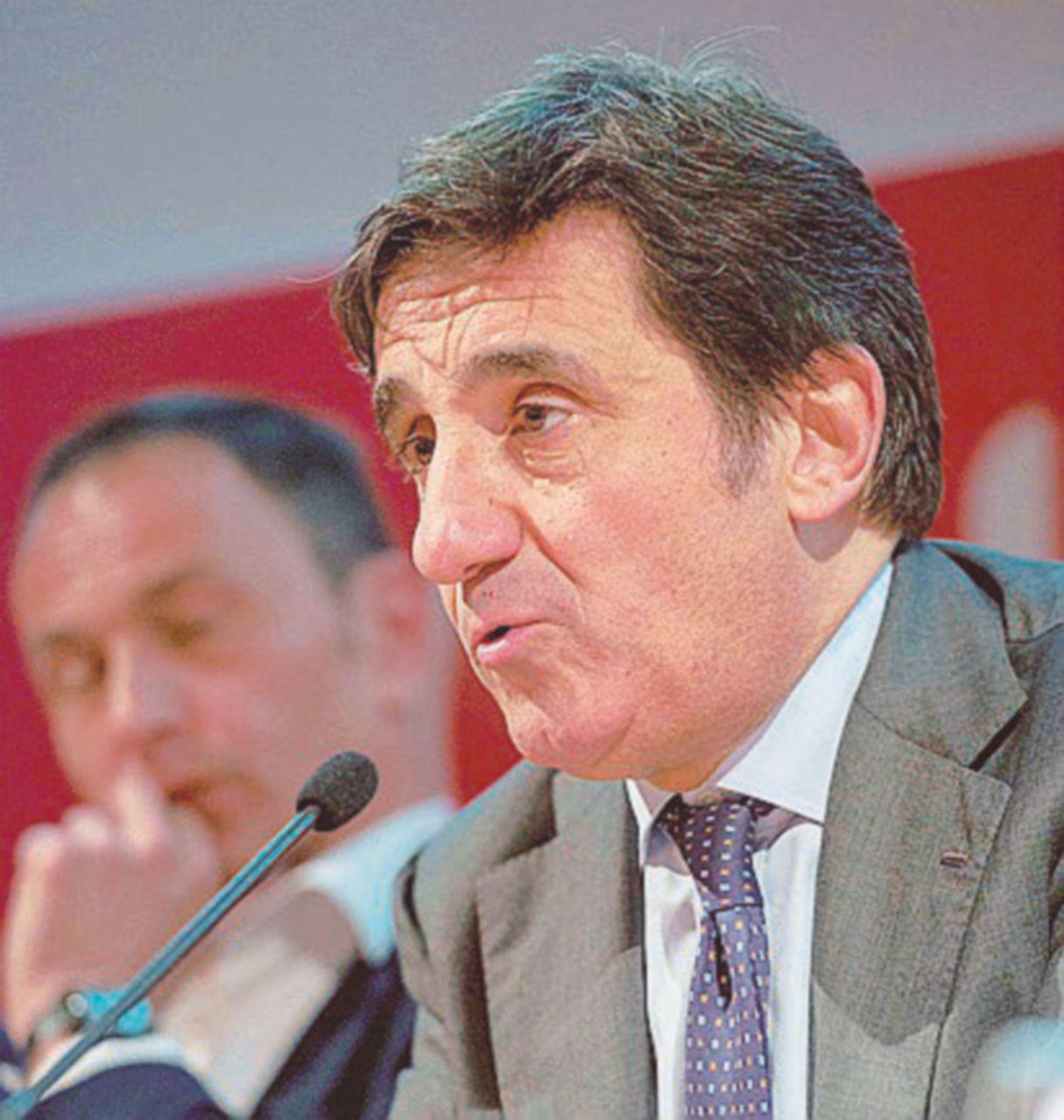 """Cairo va avanti: oltre il 50% del """"Corriere"""""""