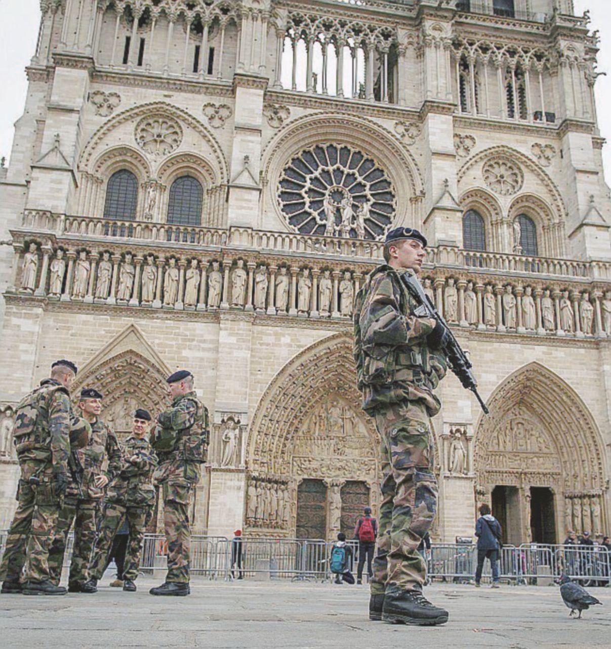 Dalla Francia all'Italia oggi i musulmani pregano nelle chiese