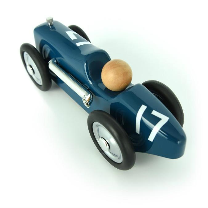 Peugeot, l'auto è un giocattolo da bambini (e da grandi) – FOTO