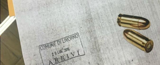 """Livorno, a Nogarin lettera di minacce con proiettili: """"Credo sia scherzo di cattivo gusto"""". Pd: """"Gesto vile, solidarietà"""""""