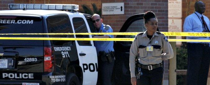 """Usa, polizia uccide un afroamericano a Houston: """"Ci ha puntato contro la pistola"""""""